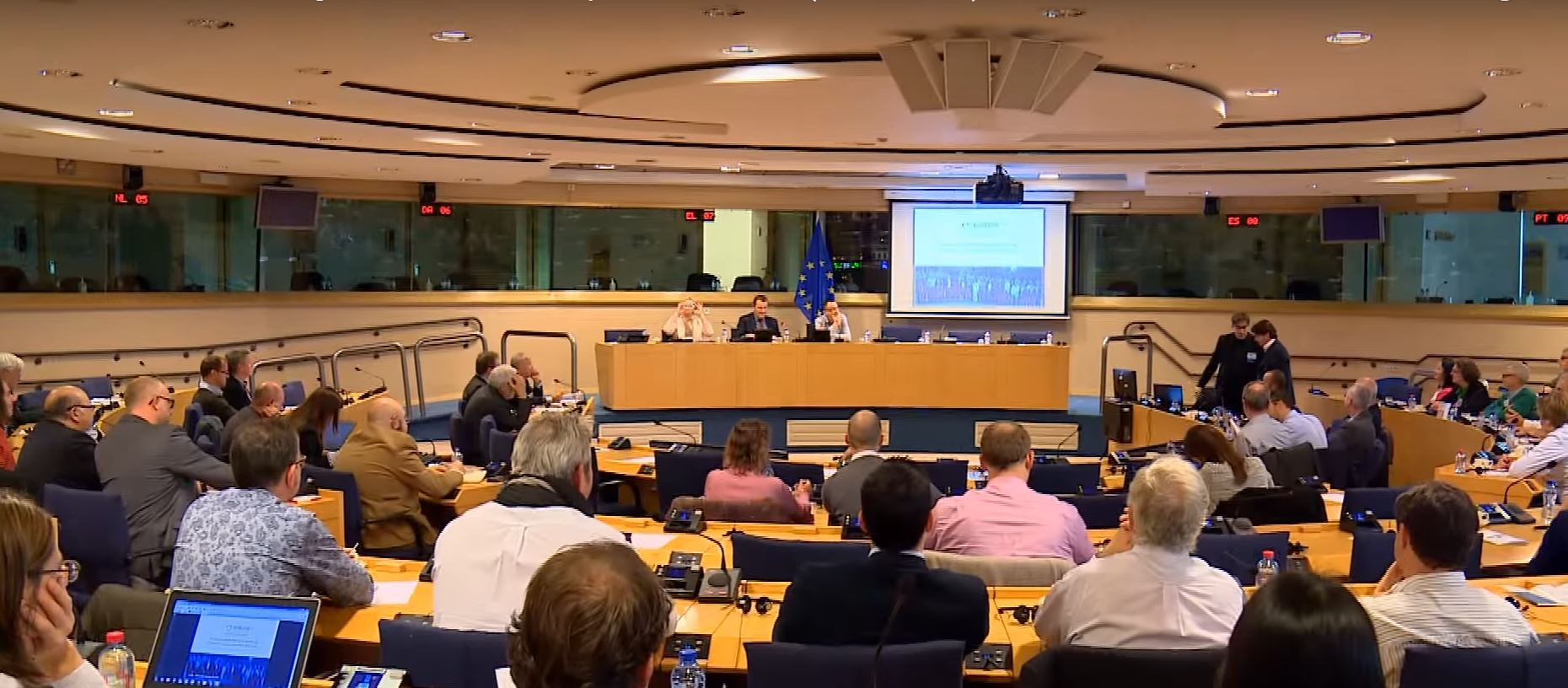 First ELFM Seminar in the EP